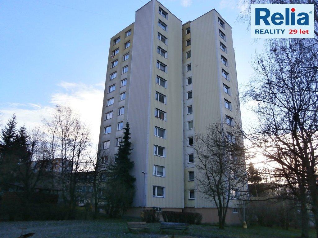 Nabízíme Vám ke koupi prostorný a světlý družstevní byt 2+1, 42m2, JBC - Mšeno.