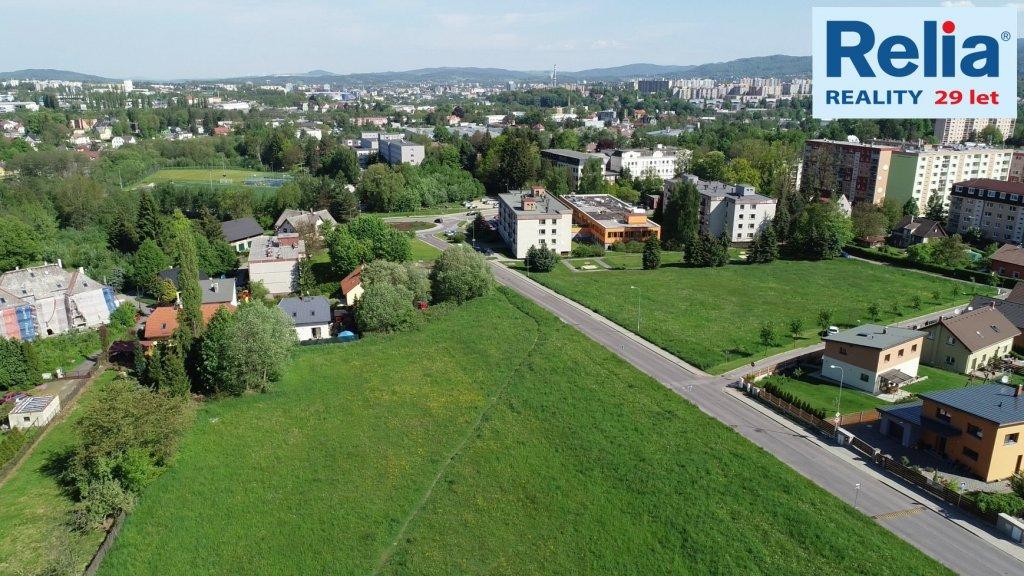 Na prodej 2100 m2 pozemků pro rezidenční výstavbu dle platného ÚP