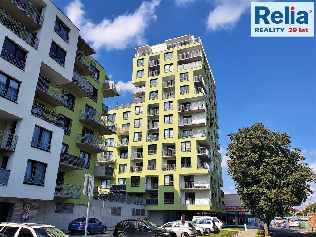 Pronájem novostavby bytu 2+kk se 2 lodžiemi a parkovacím stáním, 75 m2 - Pardubice