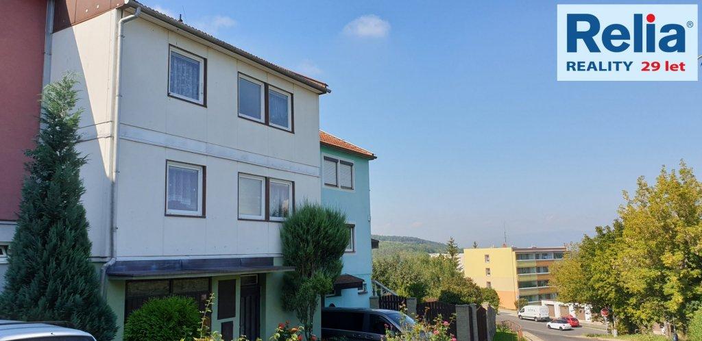 Prodej, byt 1+3+L s příslušenstvím v rodinném domě, který odpovídá 1/2 podílu,  Bílina - Pražské Předměstí, Zahradní.
