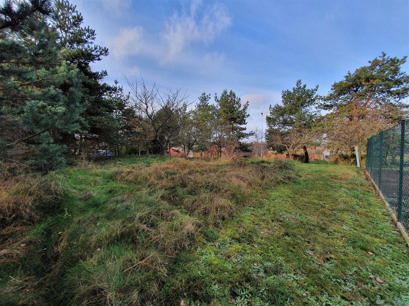 N49235 - Pozemek u lesa na konci obce Stéblová, 604 m²