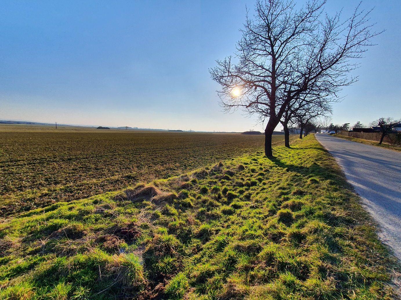 N49341 - Stavební pozemek s krásným výhledem v obci Kasalice, 5246 m2